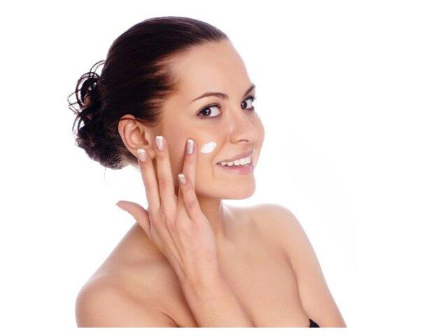 Review kem dưỡng ẩm Clinique cho da khô đang được ưa chuộng