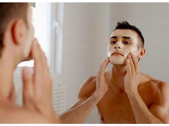 Sữa rửa mặt cho da nhờn nam nào tốt nhất hiện nay?