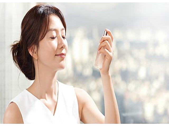 Gợi ý 3 xịt khóa makeup cho da dầu thần thánh từ thương hiệu Australis