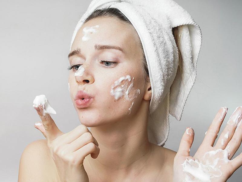 Các bước dưỡng da mặt cơ bản để có làn da sáng khỏe 4