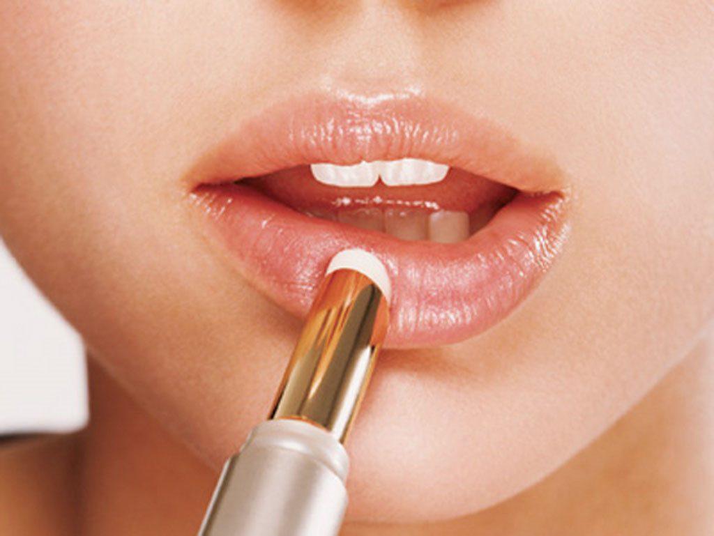 Những cách trị thâm môi từ mỡ trăn hiệu quả
