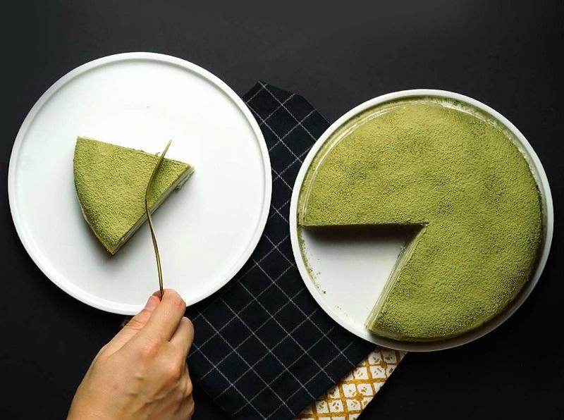 Học ngay 3 cách trị thâm môi từ bột trà xanh hiệu quả