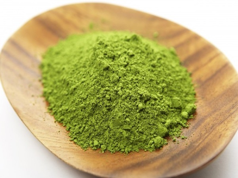 Bạn đã biết cách trị thâm môi từ bột trà xanh tại nhà?