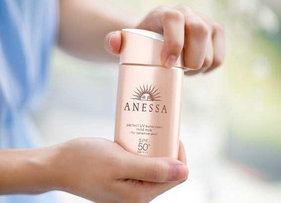 Thông tin về kem chống nắng Anessa