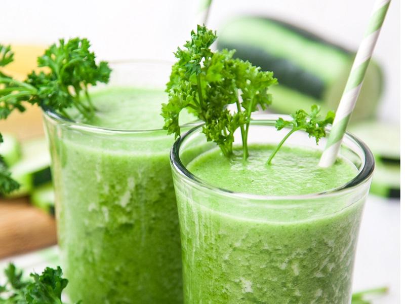 Mách nhỏ 2 cách trị môi thâm từ rau mùi đơn giản dễ làm