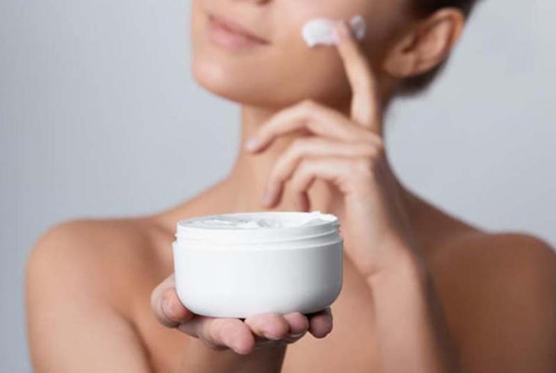 Cách chăm sóc da khô thiếu nước dễ hay khó?