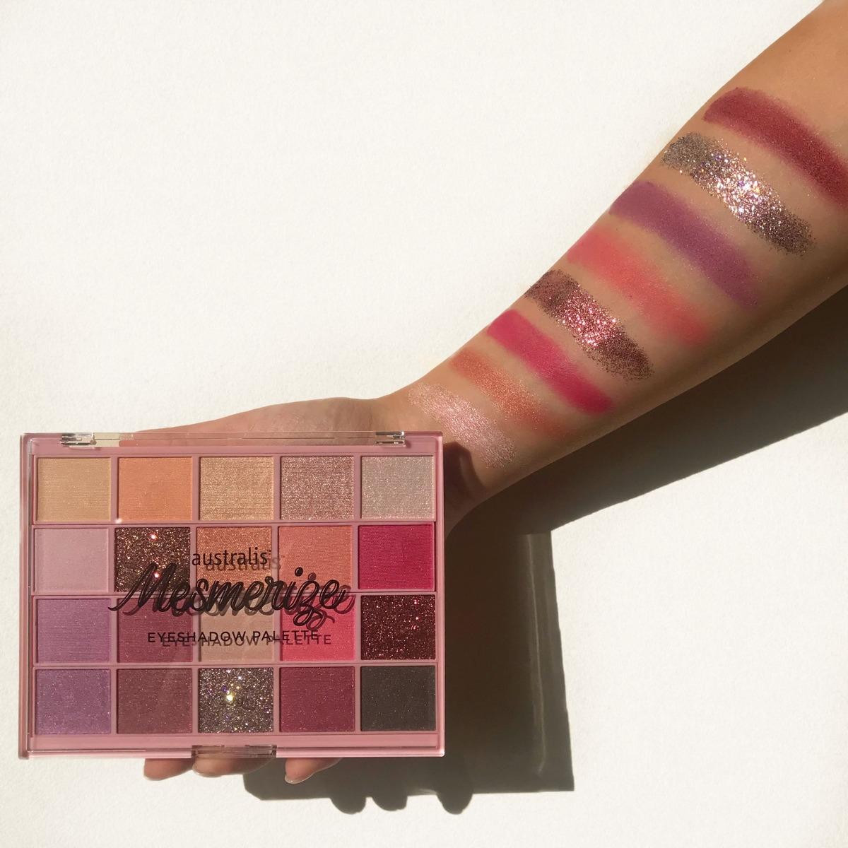 Bảng Phấn Mắt 20 Màu Australis Mesmerize Eyeshadow Palette 20g phù hợp cho nhiều nhu cầu trang điểm khác nhau