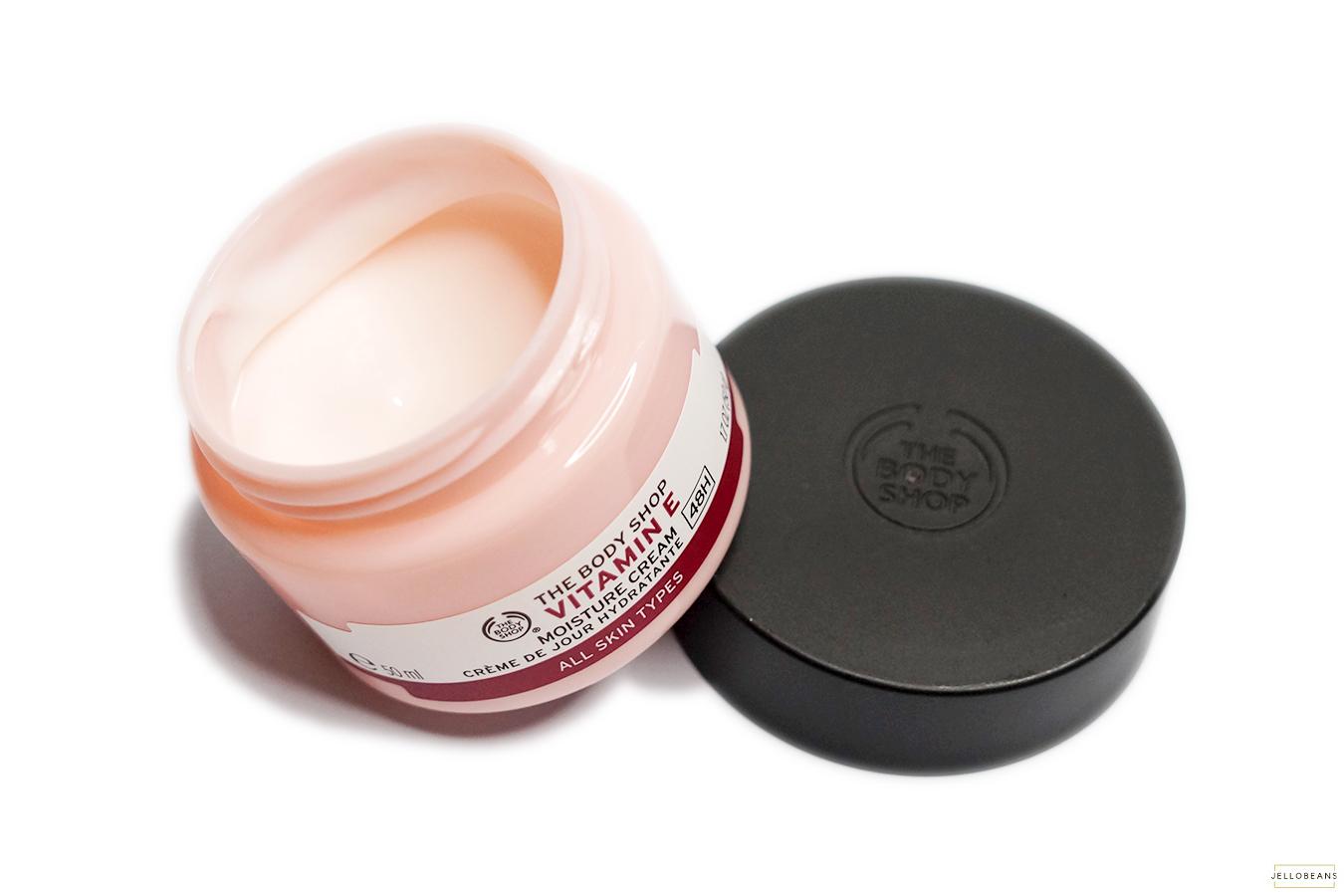 Kem Dưỡng Ẩm The Body Shop Vitamin E Moisture Cream Dành Cho Mọi Loại Da