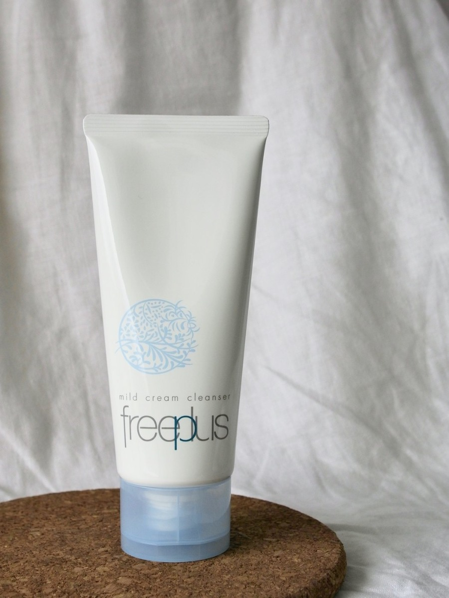 Kem Tẩy Trang Freeplus Mild Cream Cleanser 125g hiện đã có mặt tại Hasaki