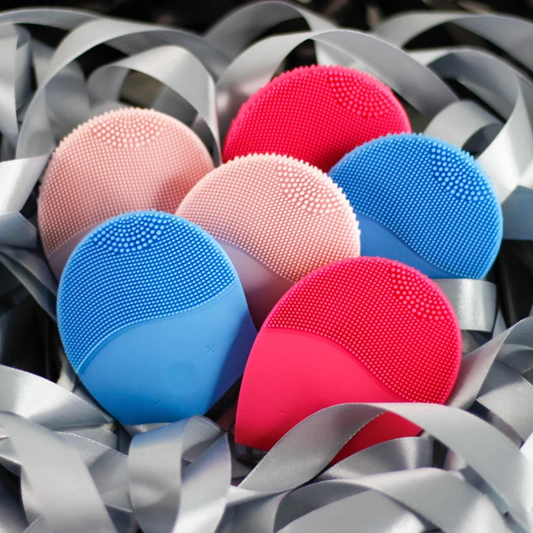 Hiện Máy Rửa Mặt Halio Facial Cleansing & Massaging Device đã có mặt tại Hasaki với đầy đủ 5 tone màu cho bạn lựa chọn.