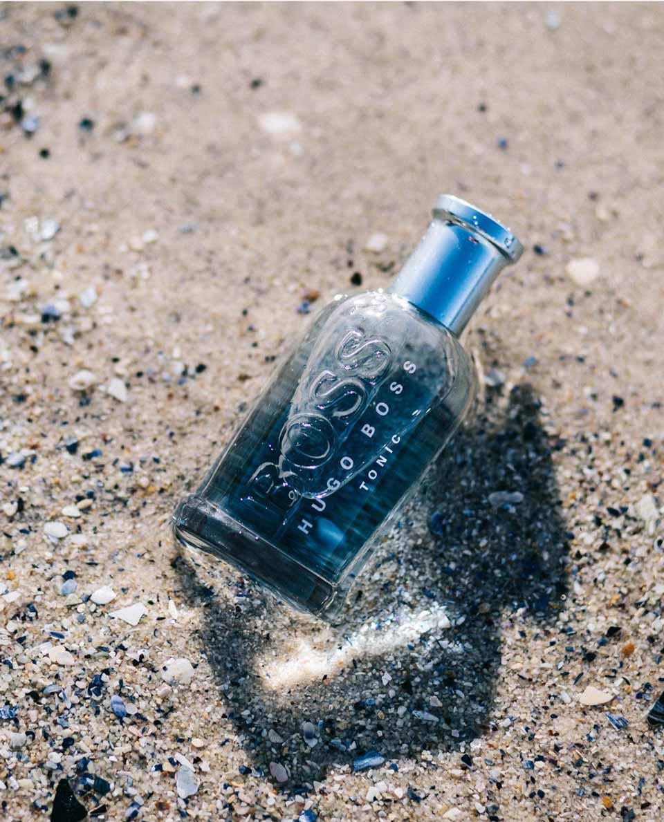 Thiết kế chai Nước Hoa BOSS Bottled Tonic đơn giản nhưng vẫn ấn tượng