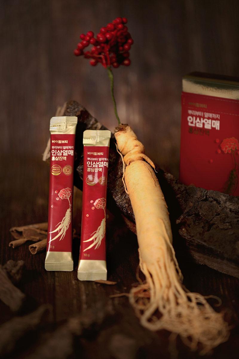 Sự kết hợp của tinh chất Hồng Sâm và quả Sâm trong cùng một sản phẩm - Vital Beautie Ginsengberry And Redginseng Extract Stick giúp bạn bổ sung đa dạng các loại Saponin khác nhau, từ đó tăng cường công dụng và mang lại hiệu quả toàn diện, tối ưu nhất.