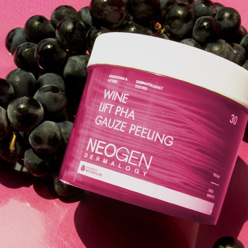 Pad Tẩy Da Chết Rượu Vang Neogen Dermalogy Wine Lift PHA Gauze Peeling hiện đã có mặt tại Hasaki