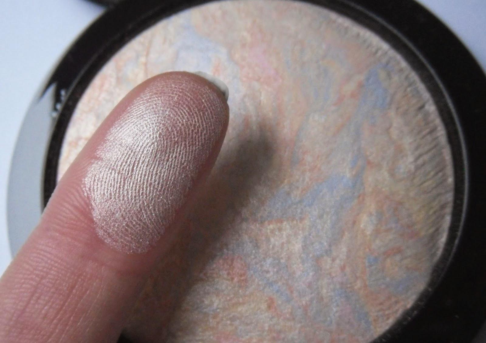 Phấn Bắt Sáng MAC Mineralize Skinfinish hiện đã có mặt tại Hasaki