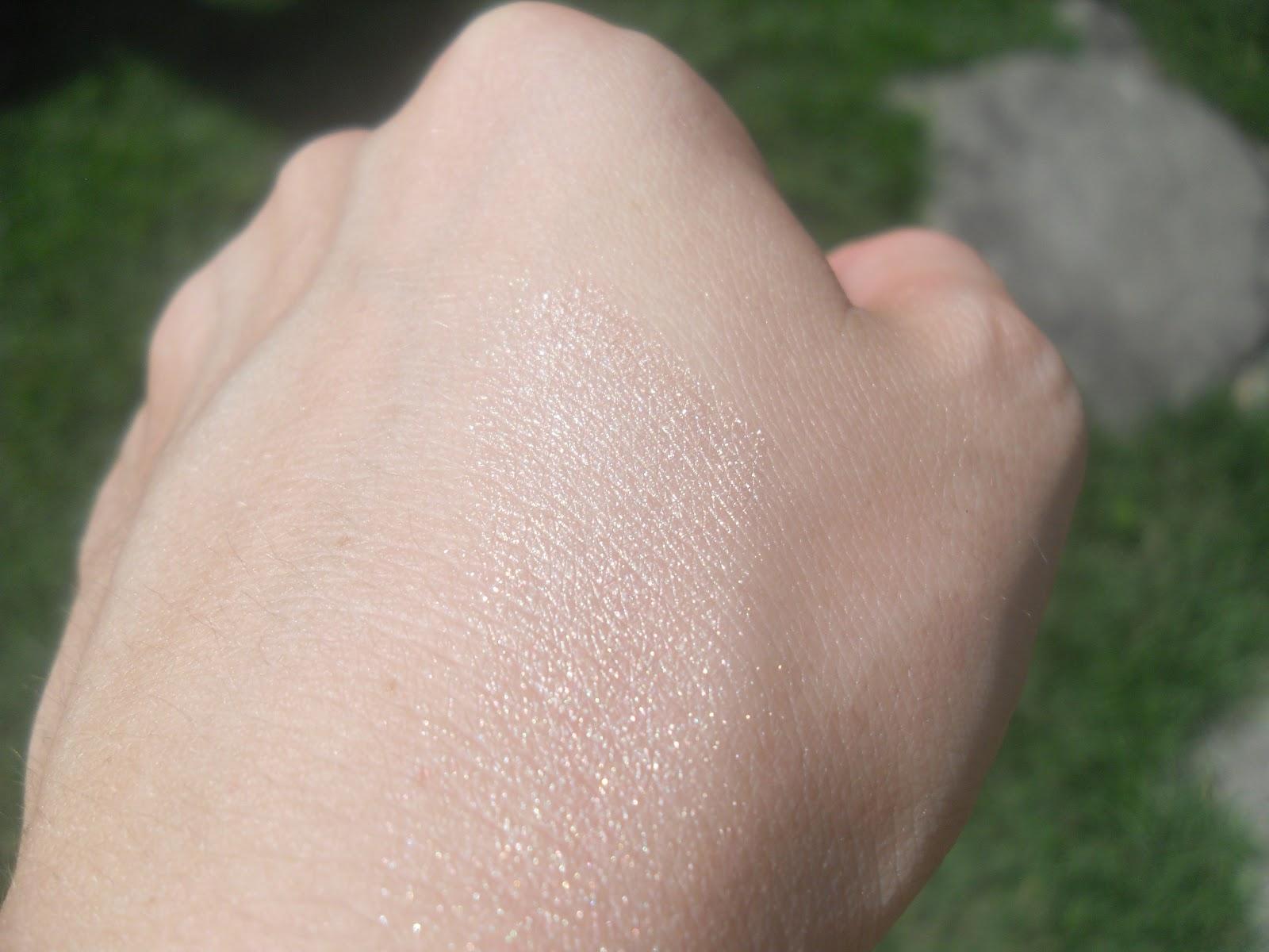 Phấn Bắt Sáng MAC Mineralize Skinfinish #Lightscapade hiện đã có mặt tại Hasaki