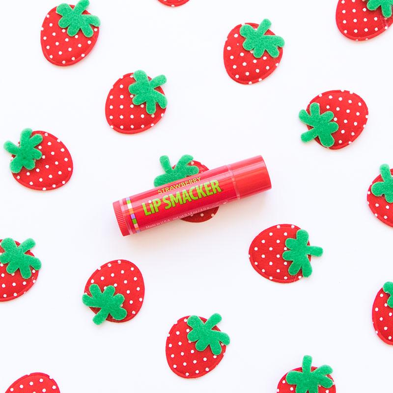 Son Dưỡng Trái Cây Lip Smacker Fruity Strawberry Vị Dâu Tây