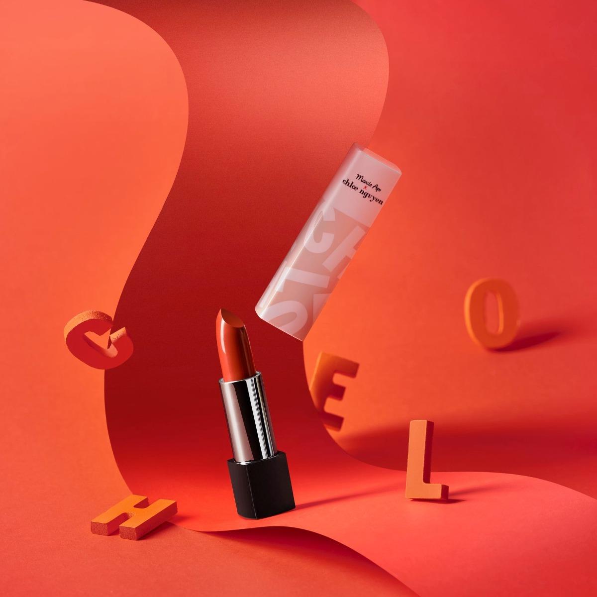 Son Thỏi Miracle Apo x Chloe Nguyễn Silky Satin Lipstick #First Date Màu Đỏ Nâu Cam