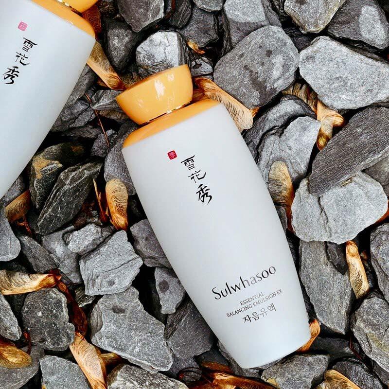 Sữa Dưỡng Làm Mềm Và Sáng Da Sulwhasoo Essential Balancing Emulsion EX 125ml