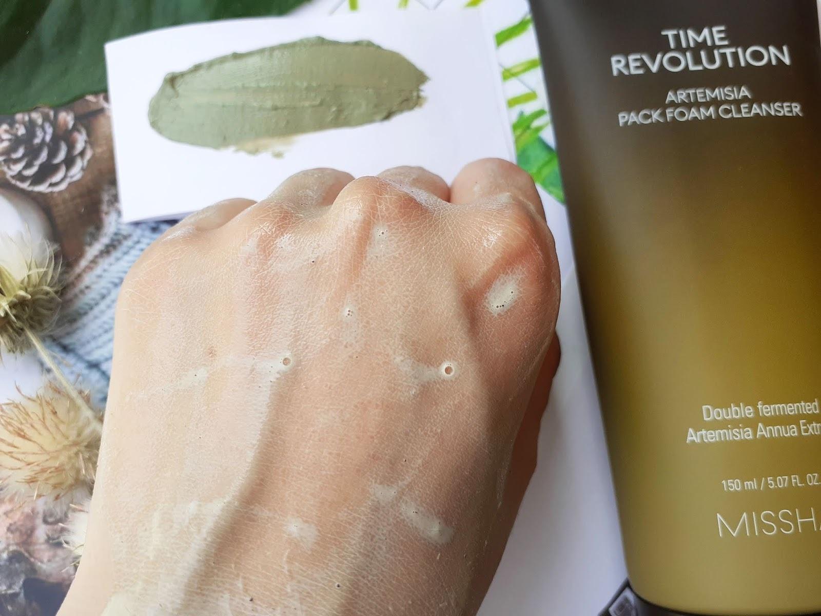 Sữa Rửa Mặt Tạo Bọt Kiêm Mặt Nạ Đất Sét Chiết Xuất Ngải Cứu Missha Time Revolution Artemisia Pack Foam Cleanser