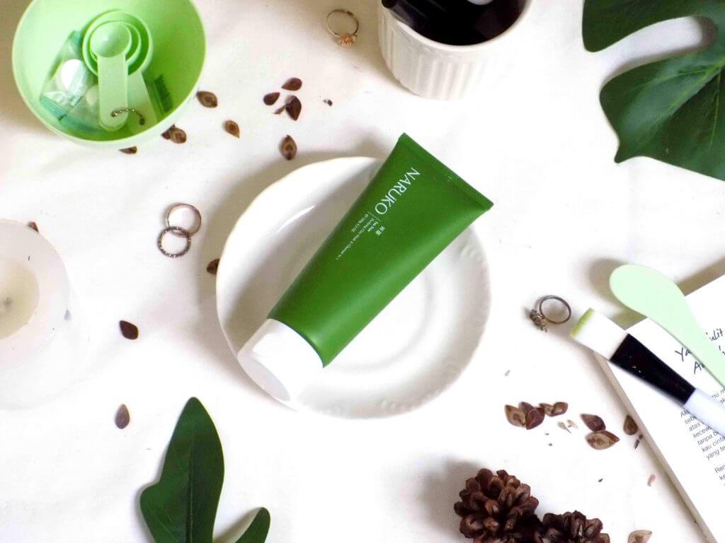 Sữa rửa mặt không bọt Naruko Tea Tree
