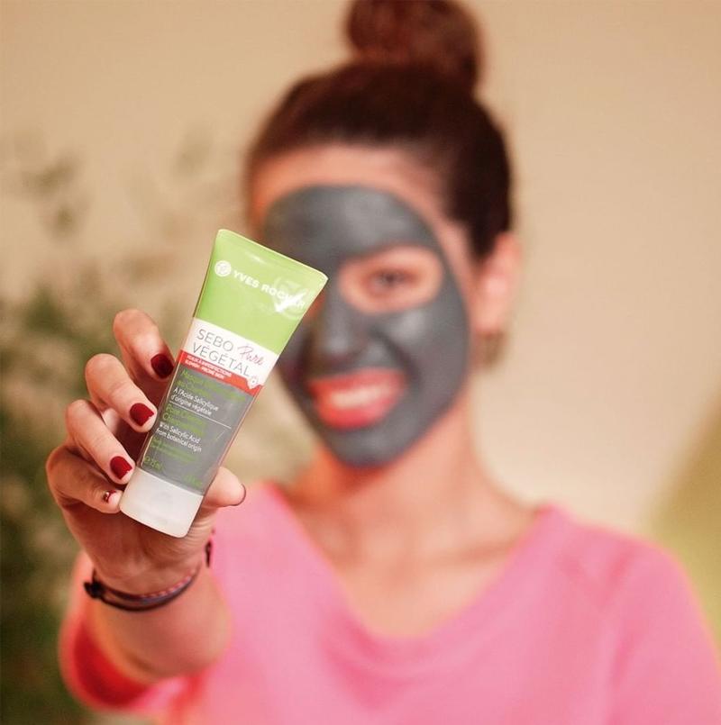 Mặt Nạ Than Hoạt Tính Yves Rocher Pore Clearing Charcoal Mask 75ml