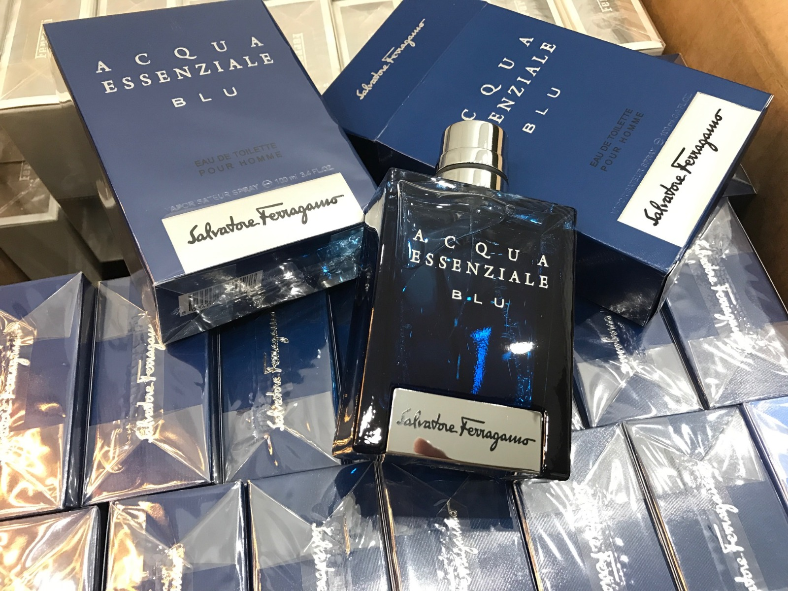 Nước Hoa Nam Salvatore Ferragamo Acqua Essenziale Blu EDT Acqua Essenziale Blu Eau de Toilette Spray 100ml được ưa chuộng