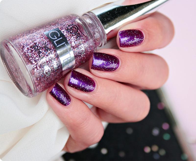 Sơn Móng Tay Kim Tuyến Flormar Màu Hồng Nhạt GL15 Red In Silver Glitter Nail Enamel