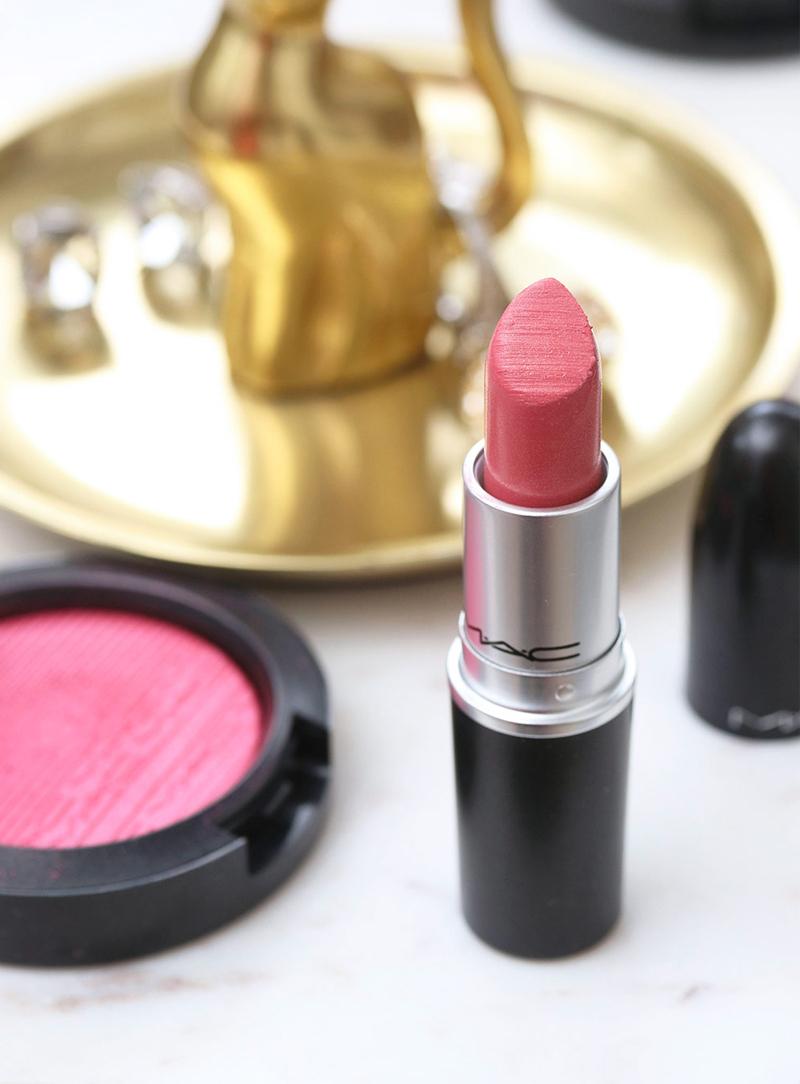 Son Thỏi Bóng Mịn Môi MAC Lustre Lipstick