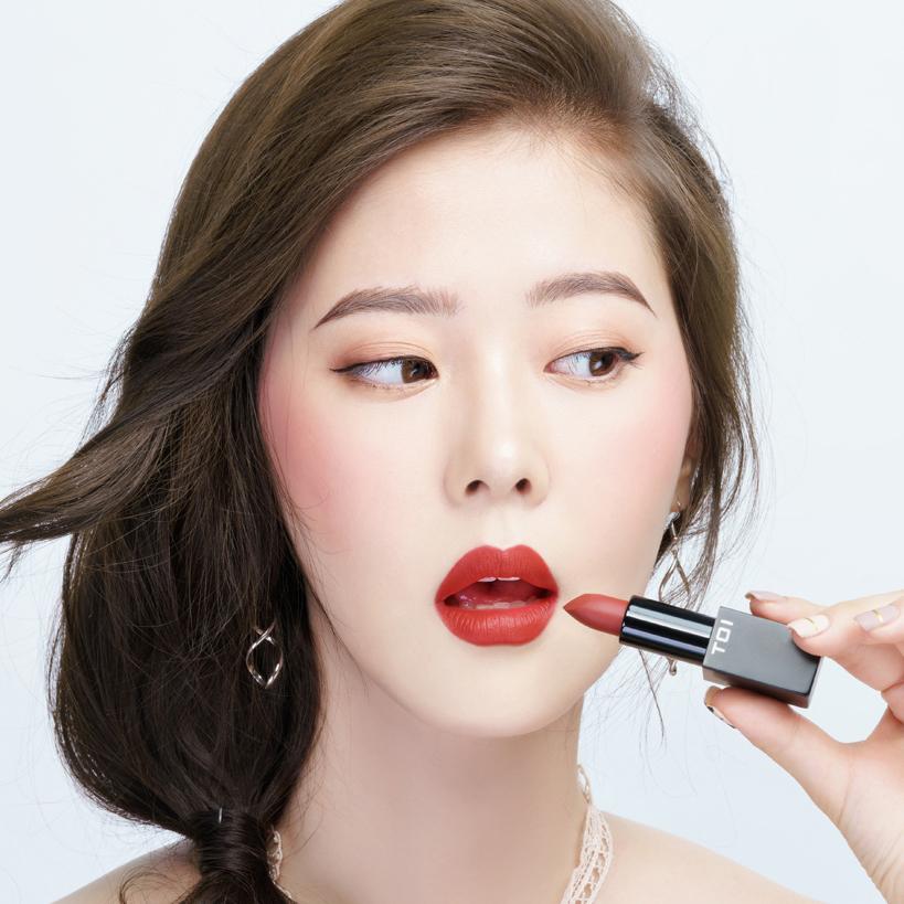 Son Thỏi Lì TOI T03 Charming Rouge Matte Rouge Lipstick - Màu Đỏ Gạch Ánh Cam