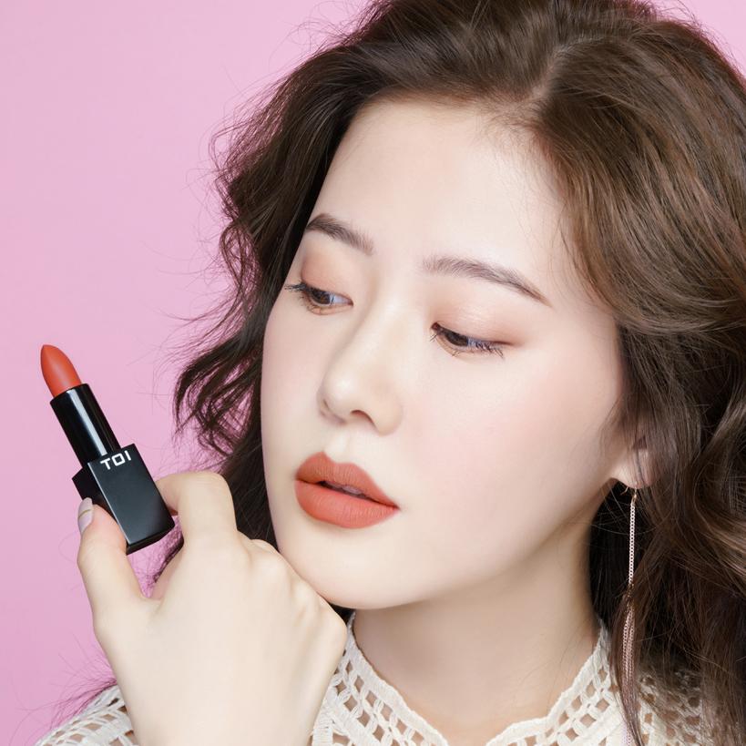 Son Thỏi Lì TOI T04 Proud Me Matte Rouge Lipstick - Màu Hồng Cam Đào