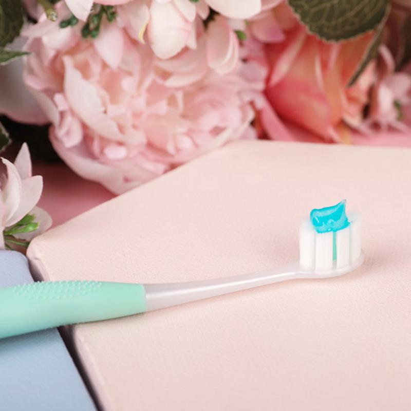 Bàn Chải Đánh Răng Colgate Cushion Clean Tạo Bọt Siêu Mịn Hasaki