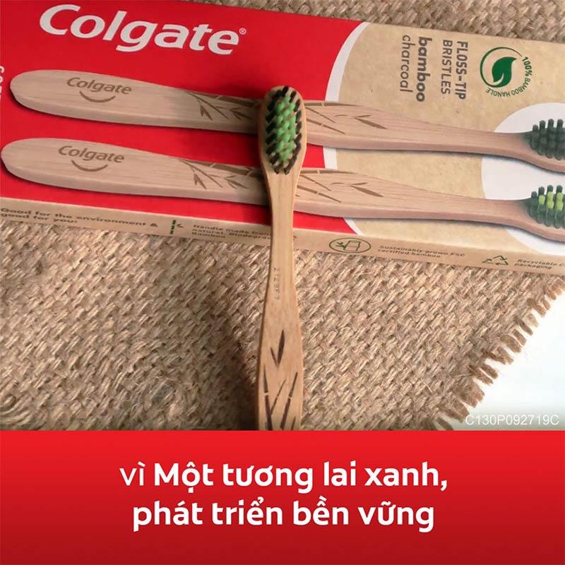 Bàn Chải Đánh Răng Colgate Bamboo Charcoal 1 Cây