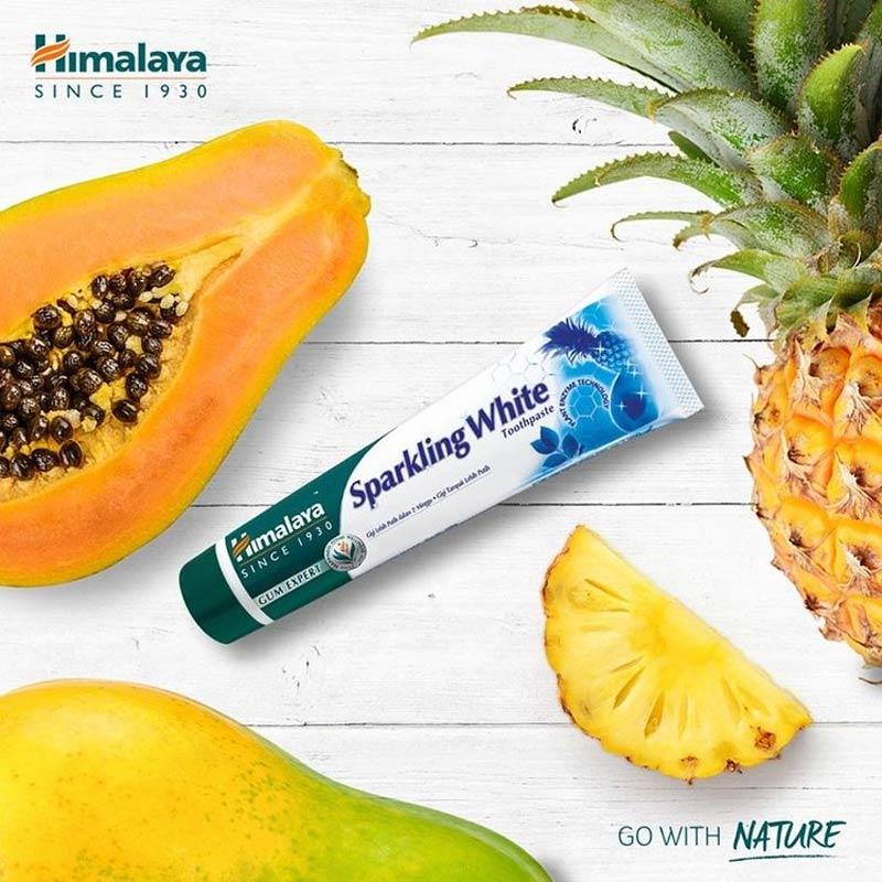 Kem Đánh Răng Thảo Mộc Himalaya Herbals Sparkling White Toothpaste 100g