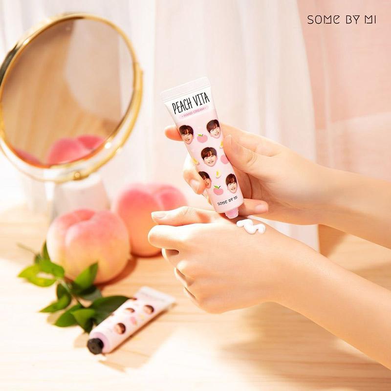 Kem Dưỡng Da Tay Some By Mi Chiết Xuất Đào Peach Vita Hand Cream 30g