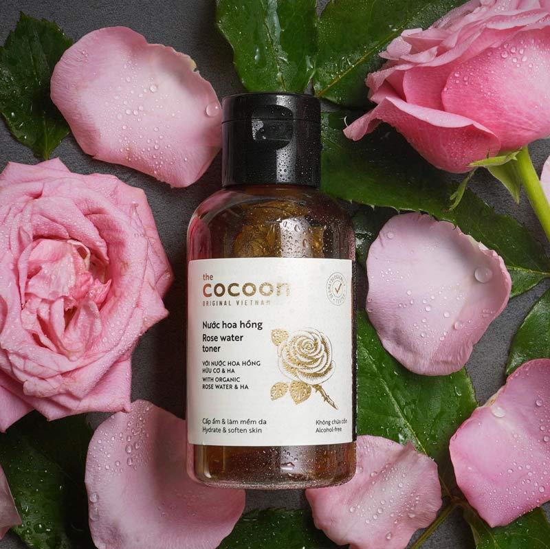 Nước Cân Bằng Da Cocoon Chiết Xuất Hoa Hồng Rose Water Toner with Organic Rose Water & HA 140ml
