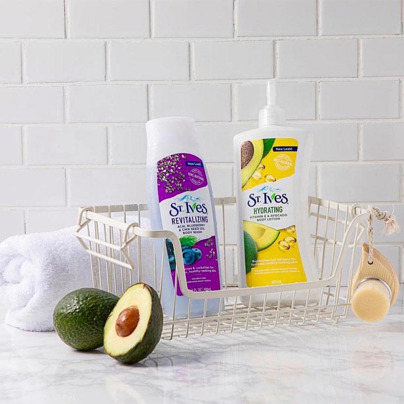 Sữa Dưỡng Thể Toàn Thân St.Ives Vitamin E Daily Hydrating Vitamin E Body Lotion 621ml