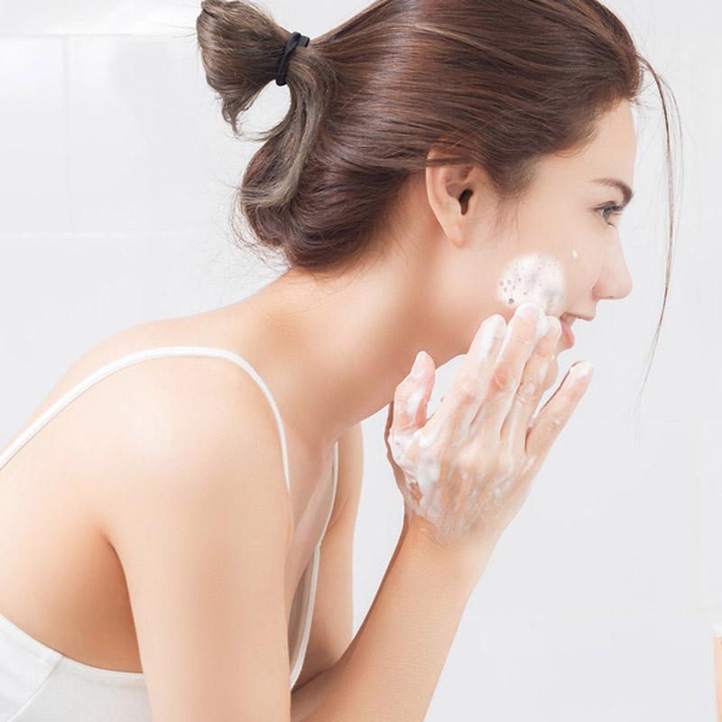Sữa Rửa Mặt Neutrogena Brightening Foaming Cleanser