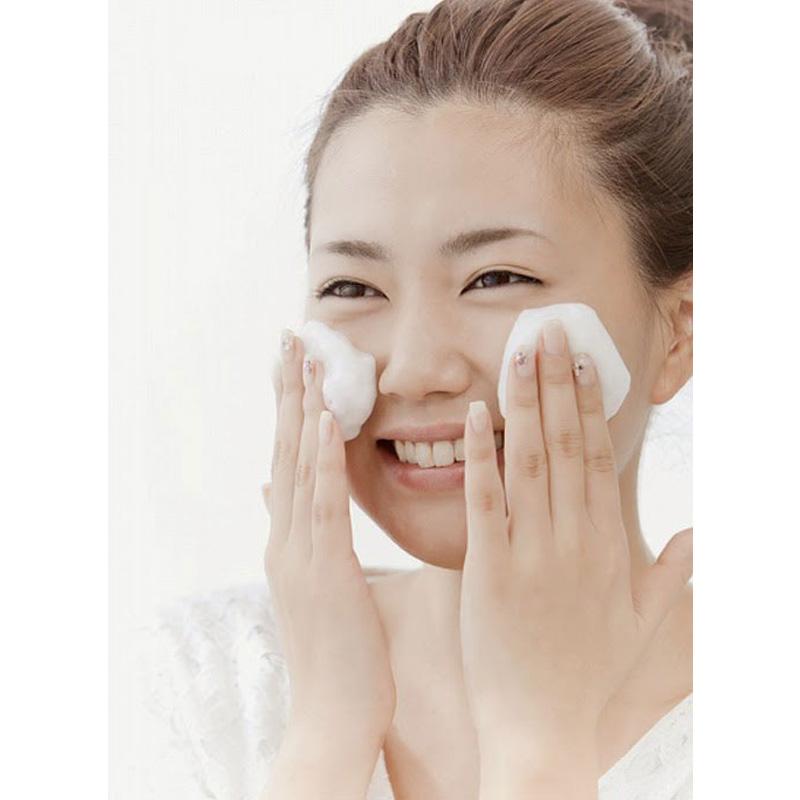 Xà Phòng Rửa Mặt Pelican Chiết Xuất Từ Than & Bùn Deitanseki Clay & Charcoal Facial Cleansing Bar