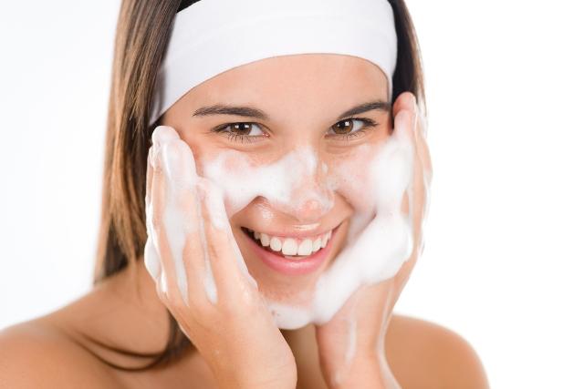 Sữa Rửa Mặt Cân Bằng Độ Ẩm Và Giảm Dầu Skin Balancing Oil-Reducing Cleanser- 237ml