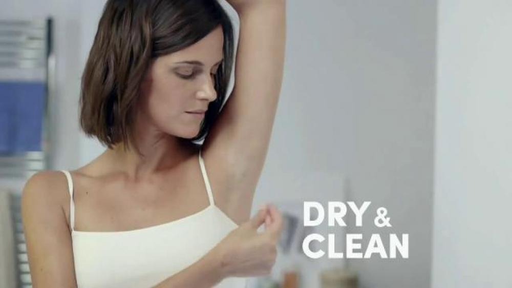 Sáp Khử Mùi Dành Cho Nữ Dry Protection Shower Clean For Women 14g
