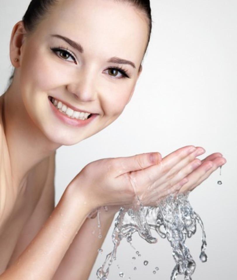 Sữa Rửa Mặt Cung Cấp Độ ẩm Yves Rocher Hydra Vegetal Hydrating Cleansing Milk - 125ml