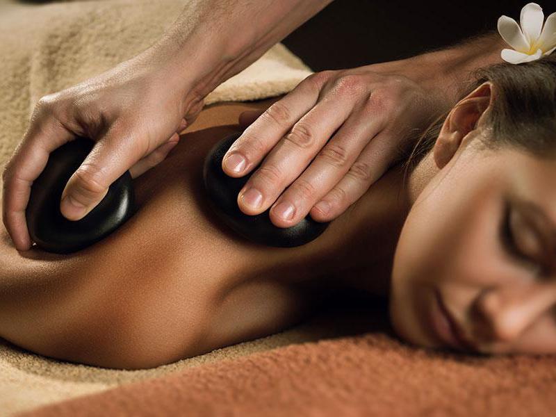 Công Dụng Của Massage Đá Nóng
