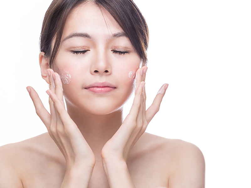 Massage Body Bằng Dầu Dừa Có Tác Dụng Gì?