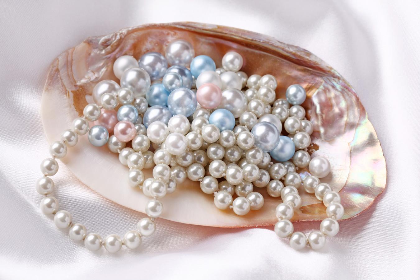 Mặt Nạ Giấy Dưỡng Da Chiết Xuất Ngọc Trai Pearl Essence 19ml