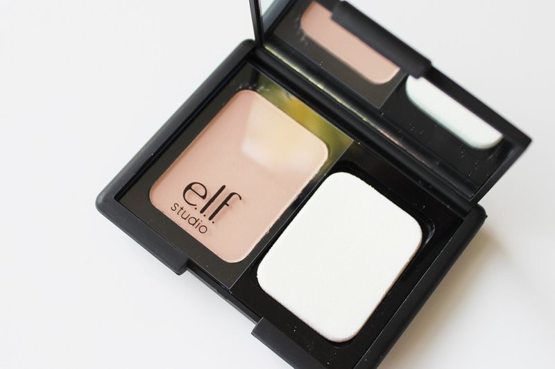 Phấn Phủ trong suốt e.l.f. Studio Translucent Mattifying Powder